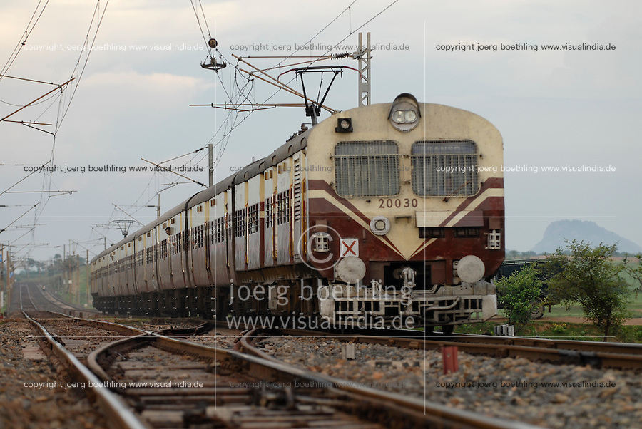 "Asien Suedasien Indien Westbengalen , elektrifizierte Bahnstrecke der indian railways - Transport Infrastruktur xagndaz | .South asia India Westbengal , electric train of indian railways - transport .| [ copyright (c) Joerg Boethling / agenda , Veroeffentlichung nur gegen Honorar und Belegexemplar an / publication only with royalties and copy to:  agenda PG   Rothestr. 66   Germany D-22765 Hamburg   ph. ++49 40 391 907 14   e-mail: boethling@agenda-fototext.de   www.agenda-fototext.de   Bank: Hamburger Sparkasse  BLZ 200 505 50  Kto. 1281 120 178   IBAN: DE96 2005 0550 1281 1201 78   BIC: ""HASPDEHH"" ,  WEITERE MOTIVE ZU DIESEM THEMA SIND VORHANDEN!! MORE PICTURES ON THIS SUBJECT AVAILABLE!!  ] [#0,26,121#]"