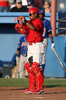 Batavia Muckdogs catcher Luis De La Cruz (6) during a game vs. the Auburn Doubledays at Dwyer Stadium in Batavia, New York June 19, 2010.   Batavia defeated Auburn 2-1.  Photo By Mike Janes/Four Seam Images