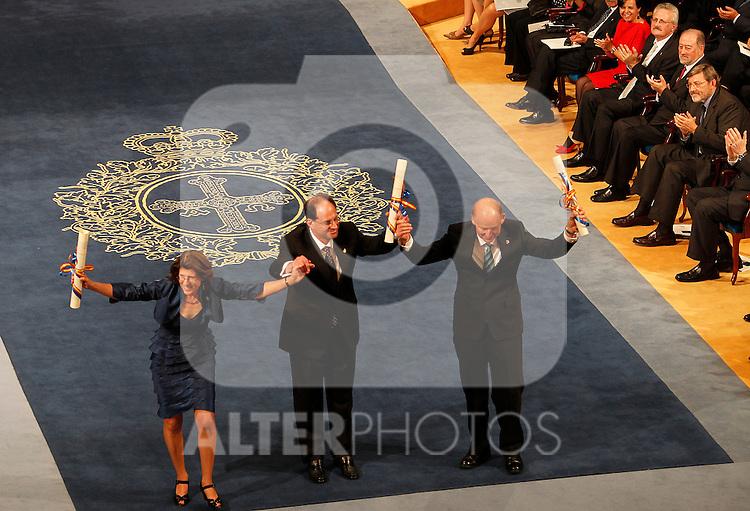 OVIEDO, Spain (22/10/2010).-  Campoamor Princess Letizia and Prince Felipe attended the Prince of Asturias awards 2010 ceremony at the 'Campoamor' Theater in Oviedo, Spain. Linda Watkins and David Julius...Photo: POOL / Chema Clares  / ALFAQUI