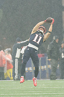 FOXBOROUGH, MA - OCTOBER 27: Julian Edelman warms up before gamete during a game between Cleveland Browns and New Enlgand Patriots at Gillettes on October 27, 2019 in Foxborough, Massachusetts.