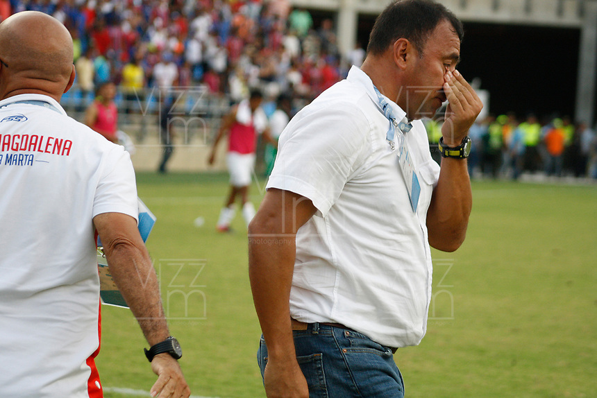 SANTA MARTA - COLOMBIA, 04-05-2019: Harold Rivera técnico del Unión celebra después depués del partido por la fecha 20 de la Liga Águila I 2019 entre Unión Magdalena y Once Caldas jugado en el estadio Sierra Nevada de la ciudad de Santa Marta. / Harold Rivera coach of Union celebrates after match for the date 20 as part Aguila League I 2019 between Union Magdalena and Once Caldas played at Sierra Nevada stadium in Santa Marta city. Photo: VizzorImage / Gustavo Pacheco / Cont