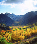 USA, California, Sierra Nevada Mountains.  Autumn in the Sierras.