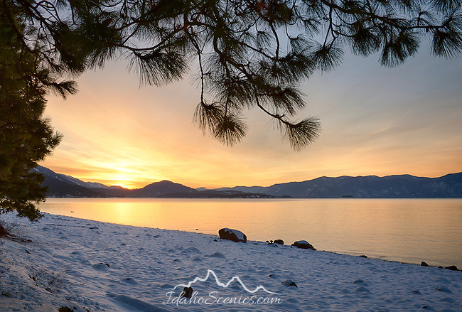 Idaho, North, Bonner County, Sandpoint, Sunnyside. Sunrise over Lake Pend Oreille on a winter morning.