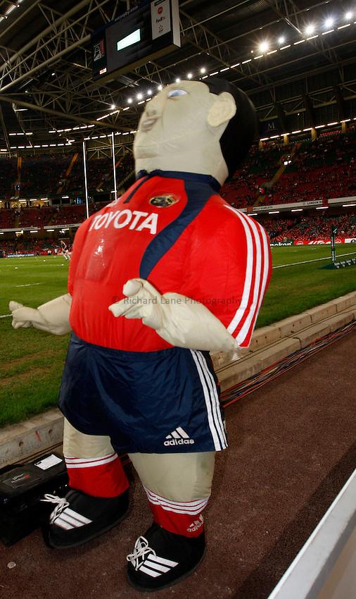 Photo: Richard Lane/Richard Lane Photography. .Munster v Toulouse. Heineken Cup Final. 24/05/2008. .Munster mascot.