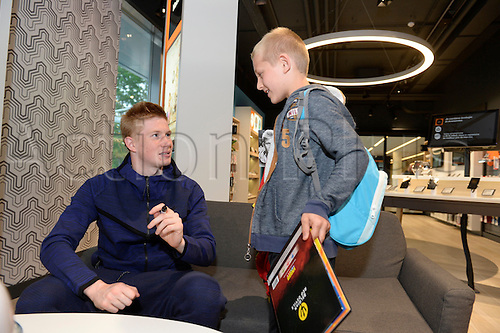 18.05.2016. Brussels, Belgium.  Kevin De Bruyne of the Belgian national football team meets the fans customers of Orange and signs autographs in the head office of Orange Building in Brussels