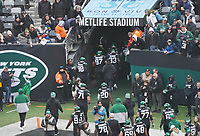 New York Jets gehen in die Kabine - 08.12.2019: New York Jets vs. Miami Dolphins, MetLife Stadium New York