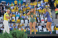 US singer Jennifer Lopez, (C), rapper Pitbull (L) and Brazilian singer Claudia Leitte (R) <br /> Open Ceremony - Cerimonia Inaugurazione <br /> Sao Paulo (Brasile) 12-06-2014 Arena Corinthians Group A Brazil - Croatia / Brasile - Croazia. Football 2014 Fifa World Cup Brazil - Campionato del Mondo di Calcio  Brasile 2014 <br /> Foto Nico Vereecken/Panoramic/Insidefoto