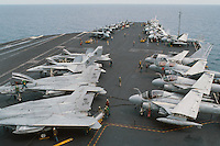 - combat aircrafts on the bridge of Roosevelt aircraft carrier....- aerei da combattimento sul ponte della portaerei Roosevelt  ..