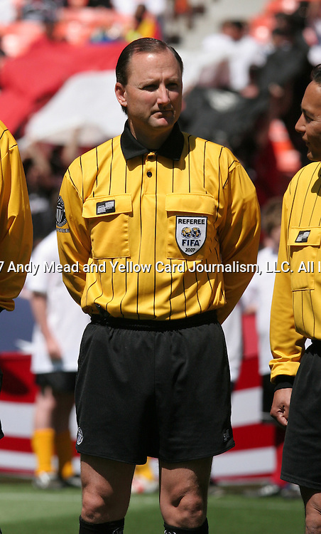 06 May 2007: Referee Kevin Stott.  DC United defeated CD Chivas USA 2-1 at RFK Stadium in Washington, DC in a Major League Soccer 2007 regular season game.