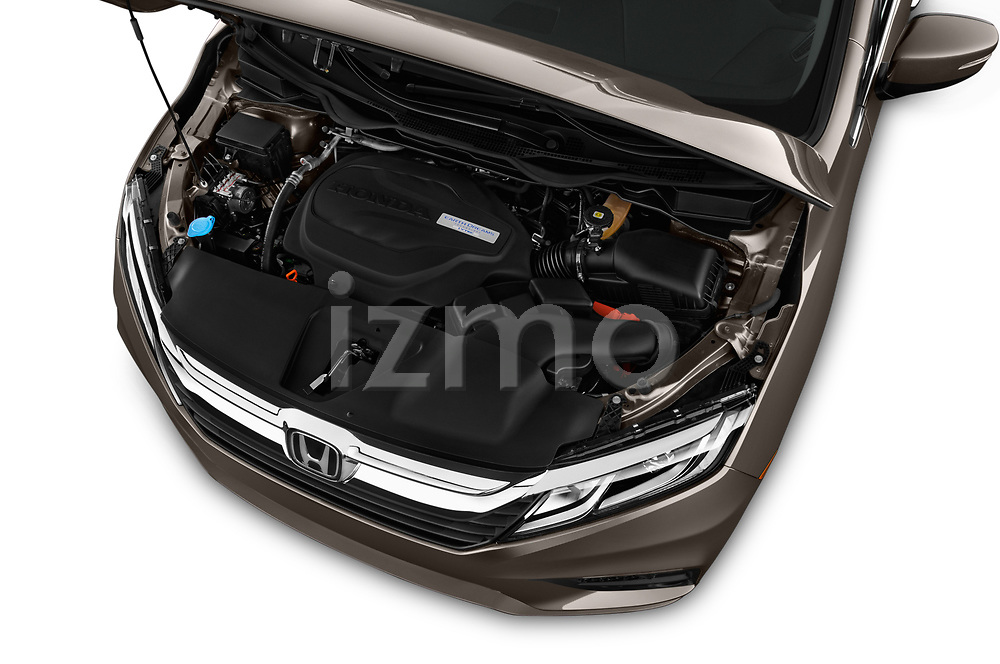 Car stock 2018 Honda Odyssey EX-L 5 Door Mini Van engine high angle detail view