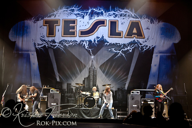 Tesla at Mohegan Sun Arena, Uncasville CT, July 9, 2012