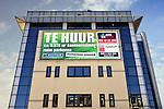 NEDERLAND - Tekstbord geeft aan dat woning of bedrijfspand te koop of te huur is. COPYRIGHT TON BORSBOOM