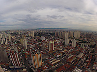 SÃO PAULO, SP, 17/02/2013, AMANHECER. Amanhecer em São Paulo, no primeiro dia sem o horário de verão. Luiz Guarnieri/ Brazil Photo Press