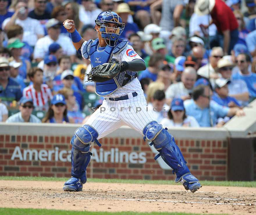 Chicago Cubs Wilson Contreras (40) during a game against the San Francisco Giants on September 4, 2016 at Wrigley Field in Chicago, IL. The Cubs beat the Giants 3-2.