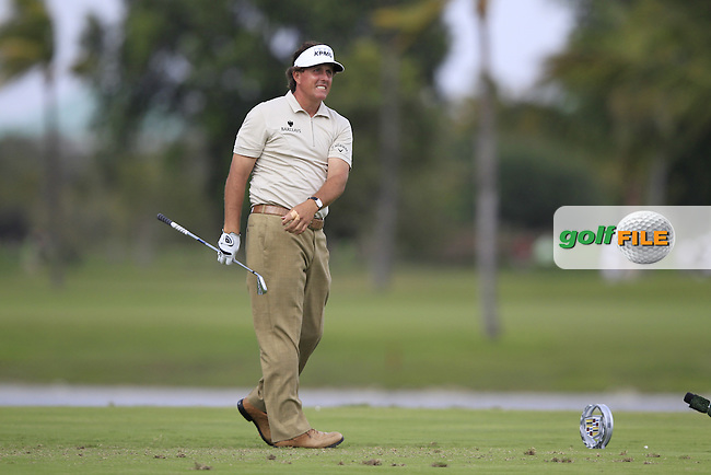 Phil Mickelson (USA) tees off on the par3 9th tee during Thursday's Round 1 of the WGC Cadillac Championship at TPC Blue Monster, Doral Golf Resort & Spa, Miami Florida, 7th March 2012 (Photo Eoin Clarke/www.golffile.ie)