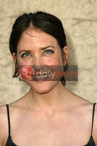Amanda Foreman<br /> at the Los Angeles Premiere of &quot;Happy Endings&quot; at Mann National Theater, Westwood, CA 06-26-05<br /> David Edwards/DailyCeleb.Com 818-249-4998