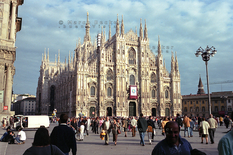 Milano, il Duomo --- Milan, the Cathedral
