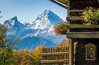 Deutschland, Oberbayern, Berchtesgadener Land, Herbststimmung oberhalb von Berchtesgaden, im Hintergrund der Watzmann   Germany, Upper Bavaria, Berchtesgadener Land, autumn scenery above Berchtesgaden, at background Watzmann mountains
