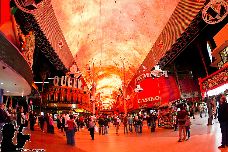 Fremont Street Experience and the Flightlinez host Valentine special for all newlyweds