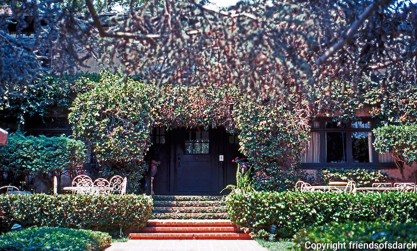 Irving Gill: Alice Lee Residence #1. 1905-06. 3574 7th Ave.--sits away at the back of the lot. Photo 2000.