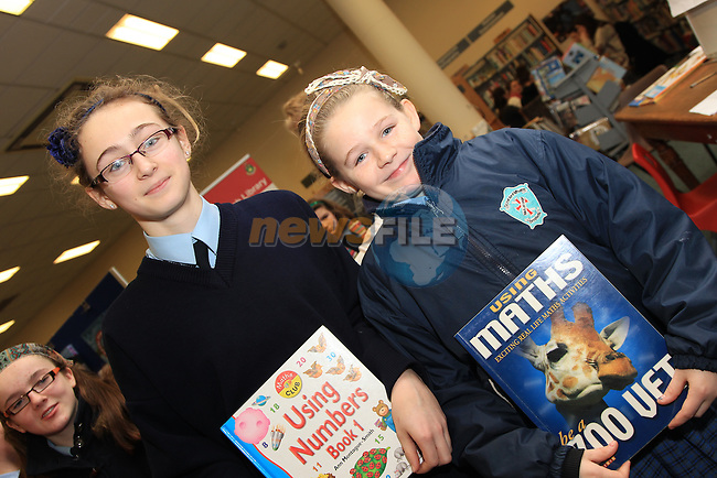 Casey McGuire.Alfie Kavanagh.at counting with numbers in the library in Drogheda..Picture: Fran Caffrey/www.newsfile.ie.