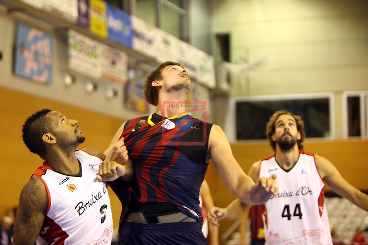 Regal XXXV Llia Nacional Catalana ACB 2014-Semifinals.<br /> FC Barcelona vs La Bruixa d'Or Manresa: 82-66.<br /> Mike Hall vs Tibor Pleiss.