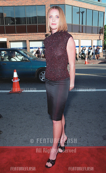 "15JUN99: Actress LESLIE STEFANSON at the world premiere, in Los Angeles, of her new movie ""The General's Daughter"" in which she stars with John Travolta, James Cromwell & James Woods..© Paul Smith / Featureflash"