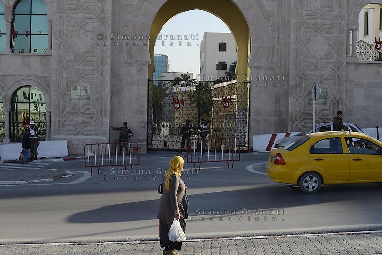 Tunisi, Gennaio 2015<br /> La Tunisia a 4 anni dalla rivoluzione che port&ograve; all'esilio il dittatore Ben Ali. <br /> Il Palazzo del Ministero della difesa.