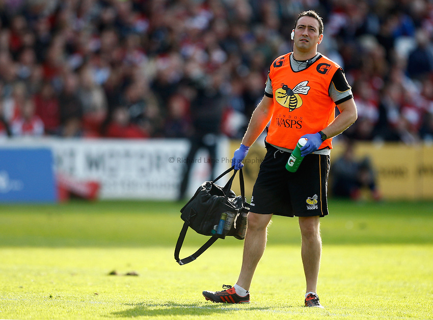 Photo: Richard Lane/Richard Lane Photography. Gloucester Rugby v London Wasps. Aviva Premiership. 22/09/2012. Wasps' physio, Paul Tanner.