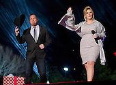 Country singers Garth Brooks and Tricia Yearwood perform at the National Christmas Tree Lighting on the Ellipse in Washington, DC on Thursday, December 1, 2016. <br /> Credit: Ron Sachs / Pool via CNP