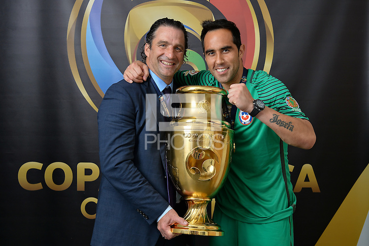 East Rutherford, NJ - Sunday June 26, 2016: Juan Antonio Pizzi, Claudio Bravo, Copa America trophy after a Copa America Centenario finals match between Argentina (ARG) and Chile (CHI) at MetLife Stadium.