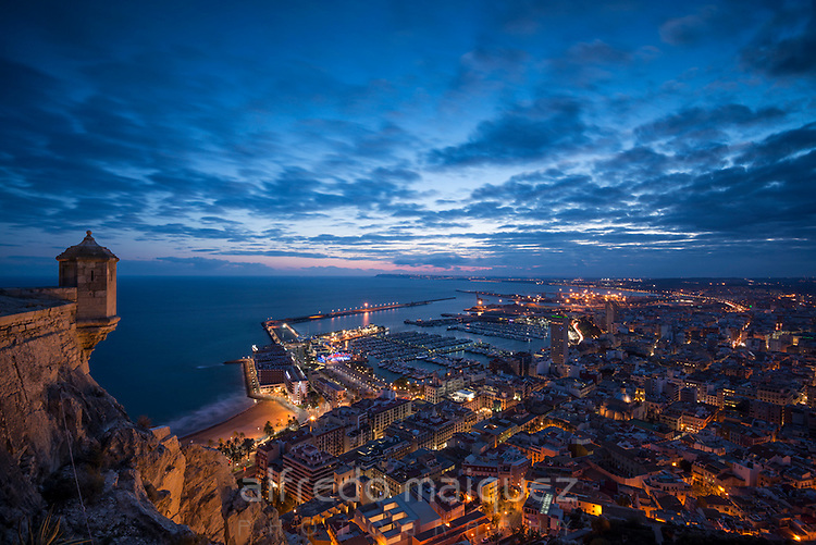 Alicante desde el Castillo de Santa Barbara, Alicante