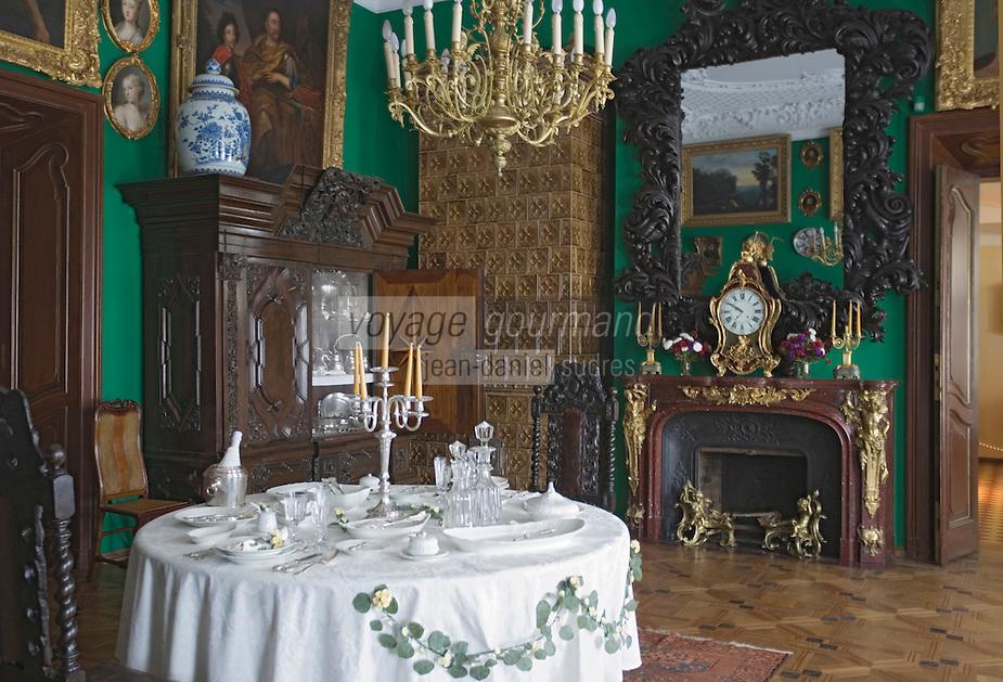 Europe/Pologne/env de Lublin/ Kozlowska: château de Kozlowska -le palais baroque de la famille Zamoyski -détail intérieur- salle à manger