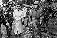 - British Prime Minister Margaret Thatcher visit the troops during NATO exercises in Germany (September 1986)....- il Primo Ministro inglese Margaret Thatcher in visita alle truppe durante esercitazioni Nato in Germania (settembre 1986)