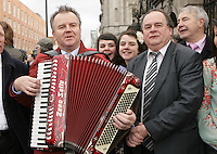 09/03/2011.Musican Theady O' Connor & independent TD Tom Webb.during the 1st day of the 31st Dail.at Leinster House,  Dublin..Photo: Gareth Chaney Collins
