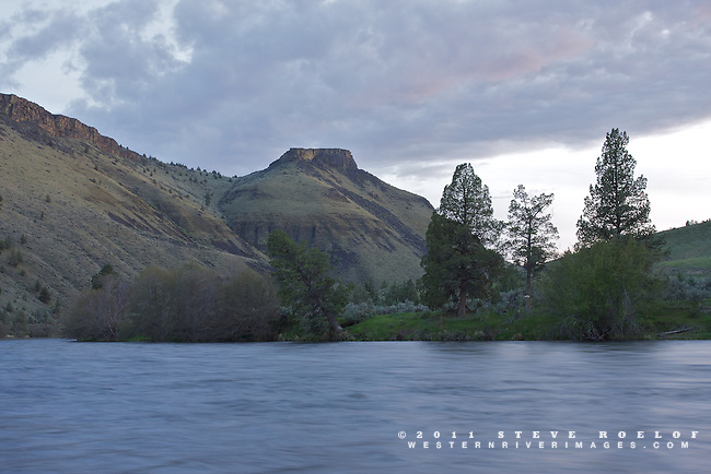 Evening settles-in along the Deschutes River, Oregon.