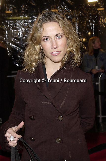 Sheryl Crow arriving at the Mexican premiere in Westwood, Los Angeles  02/23/2001           -            CrowSheryl02.jpg