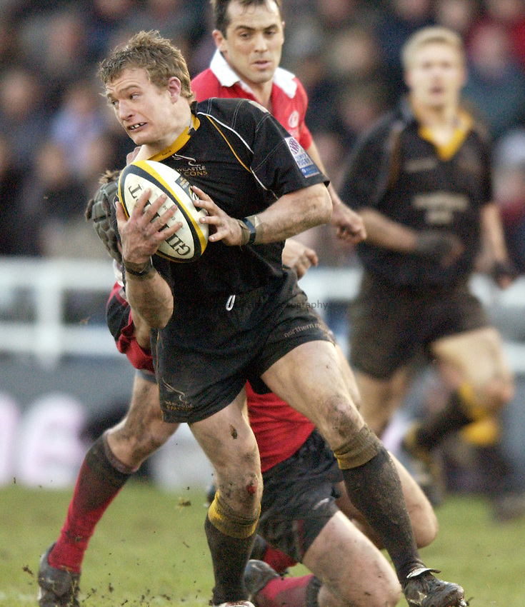 Photo. Jed Wee.Newcastle Falcons v Saracens, Parker Pen Challenge Cup, Kingston Park, Newcastle. 19/01/2003..Newcastle's Jamie Noon.