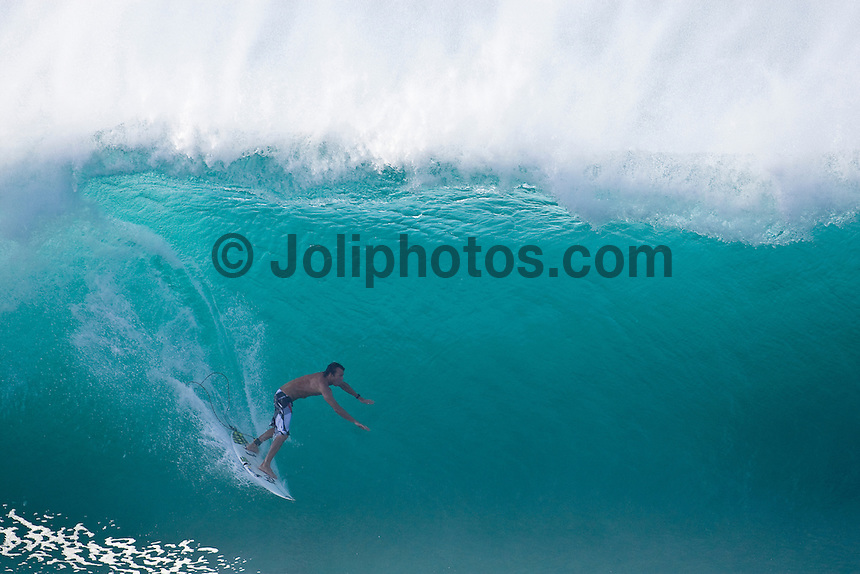 CORY LOPEZ (USA) Banzai Pipeline, North Shore of Oahu, Hawaii. Photo: joliphotos.com