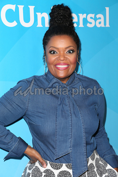 20 March 2017 - Beverly Hills California - Yvette Nicole Brown. 2017 NBCUniversal Summer Press Day held at The Beverly Hilton Hotel. Photo Credit: AdMedia