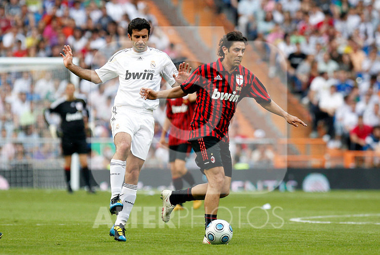 Madrid (30/05/10).- Estadio Santiago Bernabeu..Corazon Classic Match 2010.Real Madrid Veteranos 4- Milan Glorie 3.Rui Costa y Luis Figo...Photo: Alex Cid-Fuentes/ ALFAQUI.