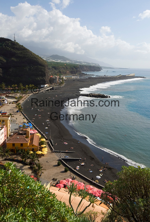 Spain, Canary Islands, La Palma, Puerto de Tazacorte: resort with black sandy beach