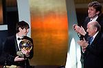 Lionel Messi (ARG), Francois Moriniere Direktor von France Football und L'Equipe und FIFA Praesident Josef Sepp Blatter  (Valeriano Di Domenico/EQ Images) r (Andreas Meier/EQ Images.ch)