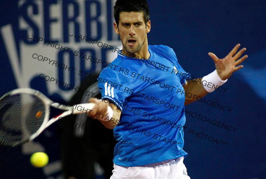 Tenis, ATP 250.Serbia Open 2009, semifinal match, polufinale.Novak Djokovic Vs. Andres Seppi (Italy).Novak Djokovic, returnes a ball.Beograd, 09.05.2009..Foto: Srdjan Stevanovic/starsportphoto.com ©