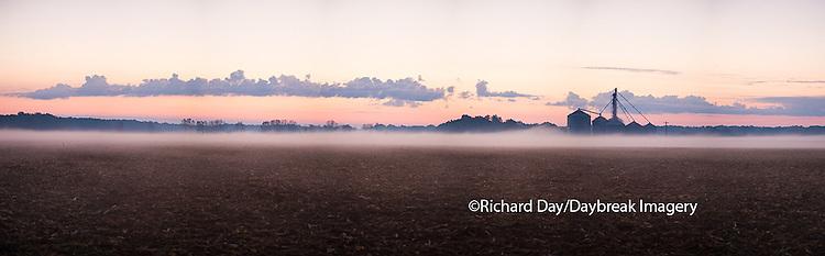 63801-06901 Sunrise and fog on Illinois farm, Marion Co. IL