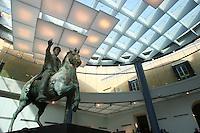 The original statue of Marco Aurelio at the Capitol Museum. L'originale copia della statua di Marco Aurelio esposta in Campidoglio.