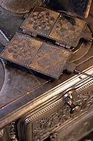 """Europe/France/Nord-Pas-de-Calais/59/Nord/Env de Lille/Houplines : Détail  gauffrerie - Musée de la Gauffre créé par Jean-François Brigant """"La Gauffre du Pays Flamand"""""""