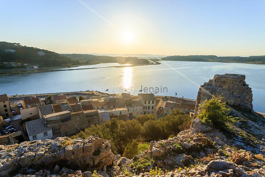 France, Aude (11), Gruissan, vue depuis les ruines du château // France, Aude, Gruissan, view from the castle ruins