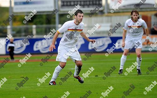 2012-10-14 / Voetbal / Seizoen 2012-2013 / KFC Duffel / Laurens Van Damme..Foto: Mpics.be