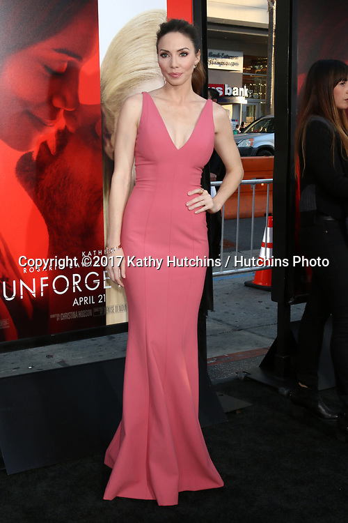"""LOS ANGELES - APR 18:  Whitney Cummings at the """"Unforgettable"""" Premiere at TCL Chinese Theater IMAX on April 18, 2017 in Los Angeles, CA"""